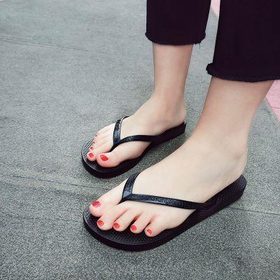 新款人字拖女学生夏季韩版外穿平底黑色情侣防滑夹脚凉拖鞋沙滩鞋
