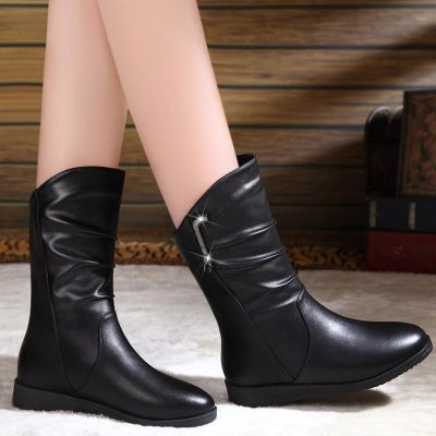 2018秋冬新款平底女靴子中筒靴女加绒雪地靴百搭保暖大码马丁靴