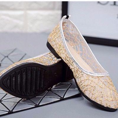 走在潮流的前端     新款时尚百搭镂空网纱蕾丝女鞋我的最爱