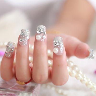 背胶款一盒24片美甲假指甲贴片影楼婚纱结婚新娘成品甲片可爱