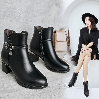 女靴子2018秋冬新款羊毛短靴女?棉鞋妈妈鞋软底粗跟加绒大码女鞋