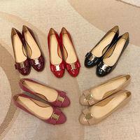 菲家平底小红鞋女漆皮红色粗跟婚鞋圆头浅口中跟蝴蝶结单鞋女大码