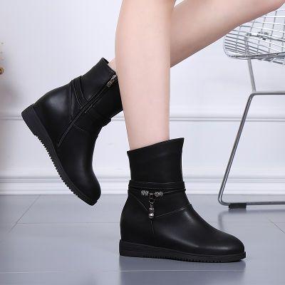 平底短靴女2020真皮新款妈妈鞋平跟马丁靴中筒防滑内增高厚底女靴