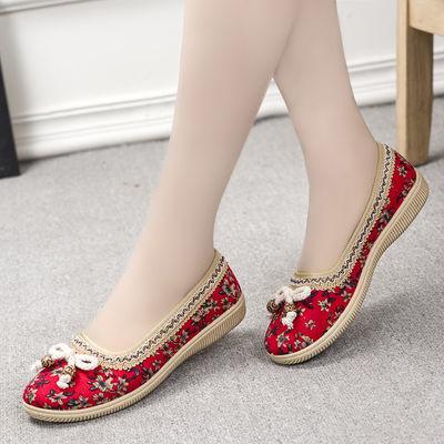 老北京布鞋女时尚民族风绣花鞋舒适平底中老年妈妈鞋广场跳舞鞋