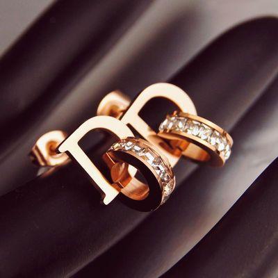 韩版D字母闪钻耳钉 女玫瑰金不掉色防过敏ins耳环 网红钛钢饰品