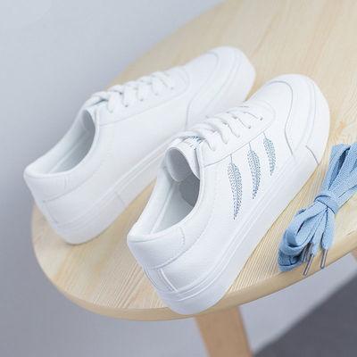 新款秋季白色板鞋刺绣小白鞋学生2019韩版百搭初中女生跑步运动鞋