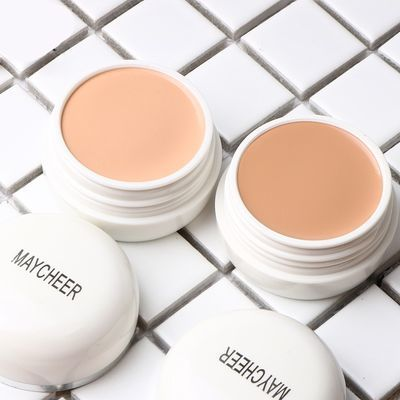 两种颜色可选:130#浅肤色:适合绝大多数MM使用,上色自然 140#深肤色:适合皮肤不是很白的MM使用瞬间完美遮瑕;色泽自然,细滑服帖;防水防汗,妆容更持久。不含香料,防腐剂,不诱发粉刺,产品低过敏性,安全耐受。防晒指数SPF30,出色的防紫外线能力,全天候保护皮肤;质地润泽,为干燥肌肤补充水分,令油腻T字部位保持干净舒适。使用方法:涂抹护肤霜后,用粉扑轻轻的扑于需遮瑕的部位(直接使用或用遮瑕笔后使用),由内向外抹匀,使脸部肤色匀净。亦适于身体皮肤遮瑕。