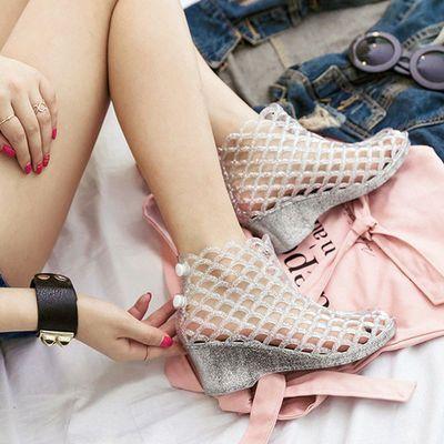 夏季新款塑胶凉鞋防滑坡跟洞洞鞋女水晶果冻鱼嘴鞋鞋高跟鞋鸟巢鞋