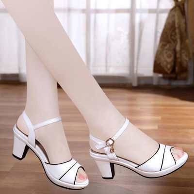 凉鞋女2018夏季新款女士高跟鞋百搭露趾一字扣带中跟粗跟鱼嘴鞋女