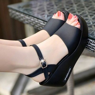 一字扣凉鞋女夏新款防水台松糕厚底坡跟防滑高跟女士皮鱼嘴凉拖鞋