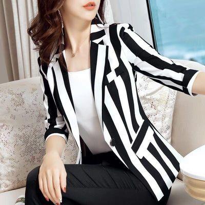 条纹小西装外套女时尚大码2020夏季新款修身显瘦收腰薄款短款上衣