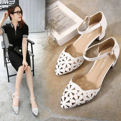 夏季软皮低跟包头凉鞋女新款20一字扣带真皮鞋中跟女士镂空粗跟鞋