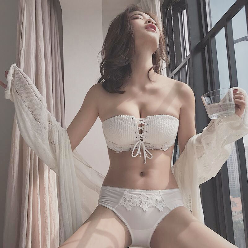 Bra without shoulder straps, anti-skid lace, bra without steel rings, small breasts gathered together, bra for girls, single-piece underwear for girls