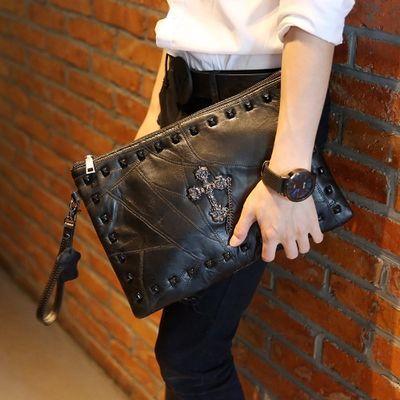新款休闲软皮手包 韩版手拿包 时尚男女手包信封包单肩斜跨包潮包