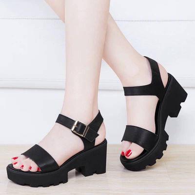 韩版粗跟学生高跟鞋中跟凉鞋女2019夏季新款防水台一字扣松糕女鞋