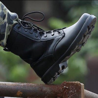 春夏季超轻作战靴轻便透气耐磨军靴男特种兵防水作训战术靴登山鞋