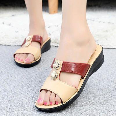 女士妈妈鞋凉拖鞋2018新款中老年拖鞋女夏季凉鞋时尚中年女鞋外穿