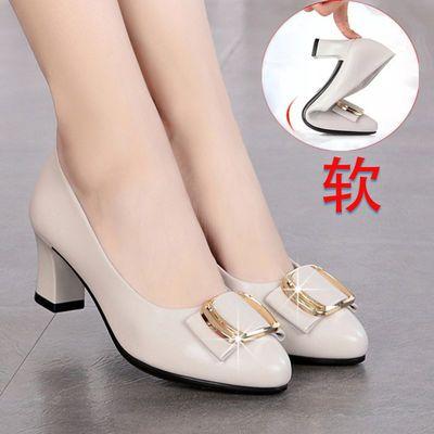 妈妈鞋单鞋真皮软底防滑舒适百搭女皮鞋中年粗跟中跟上班正装女鞋