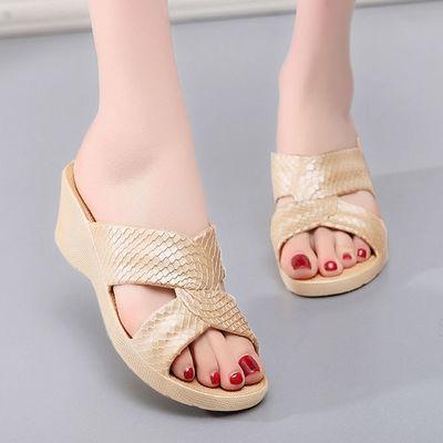 夏季室外高跟凉拖鞋塑料防滑居家浴室拖鞋厚底拖鞋女士沙滩鞋外穿