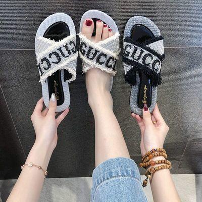 网红拖鞋2020夏季新款凉拖鞋女时尚百搭带钻个性平底交叉一字拖潮