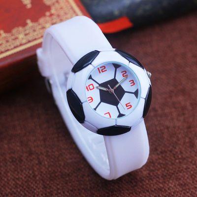 新款儿童男孩学生硅胶表带石英手表个性足球表盘夜光指针运动手表