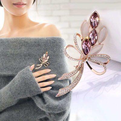 (买二送一送款可指定)新款胸针女水钻胸花饰品别针丝巾扣领针