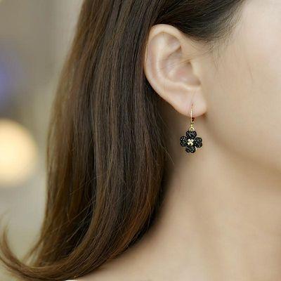 新款幸福四叶草黑色水钻耳扣式耳环女韩国气质 简约个性百搭耳饰