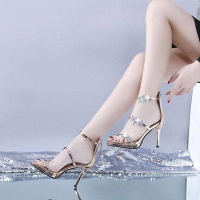明星同款仙女风高跟鞋水钻细跟性感防水台银色一字带星星凉鞋女夏