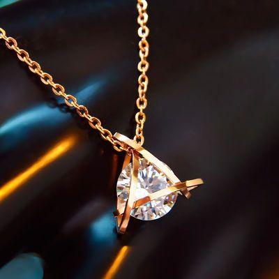 三角形闪钻玫瑰金钛钢锁骨项链女 网红太钢抖音饰品 防过敏不掉色