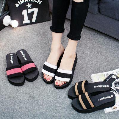 女士凉拖鞋一字拖坡跟厚底时尚女款新款女装拼色女鞋子潮松糕高跟
