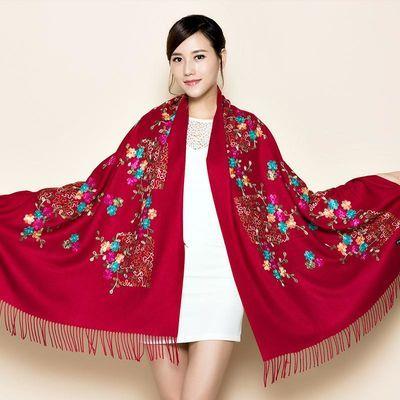 西藏旅游披肩刺绣围巾女秋冬季民族风草原披风仿羊绒披肩围巾两用