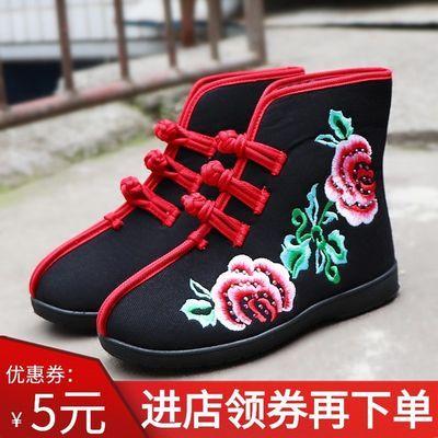 老北京布鞋绣花水钻女短靴加绒冬季保暖扣带花朵民族圆头软底棉鞋