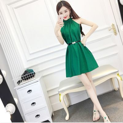 连衣裙2020新款小个子女夏洋气性感露肩矮个子显瘦无袖挂脖短裙子