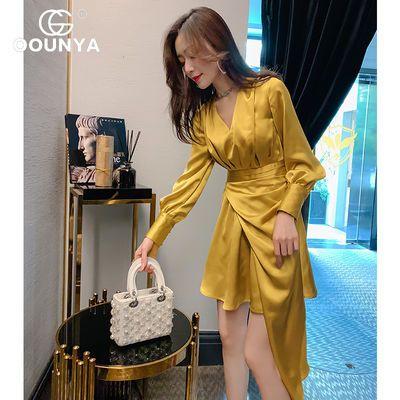 格润雅法式复古连衣裙2020春季新款V领收腰灯笼袖不规则短裙子女