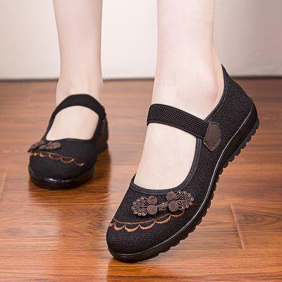 老北京布鞋女春秋中老年人妈妈单鞋子防滑奶奶休闲软底老婆女布鞋