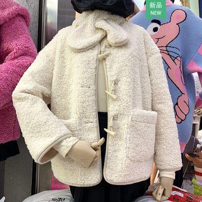 牛角扣羊羔毛外套女冬装新款韩版宽松百搭保暖皮毛一体上衣配围巾