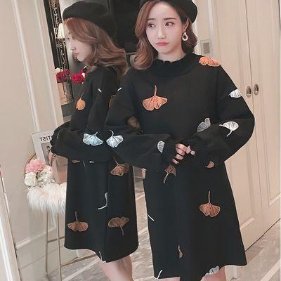 2019秋冬装女长袖甜美宽松中长款小香风刺绣毛呢连衣裙高领卫衣裙