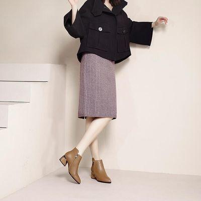 粗跟短靴女冬皮面鞋短款百搭妈妈软皮靴子春秋单靴中跟尖头马丁靴