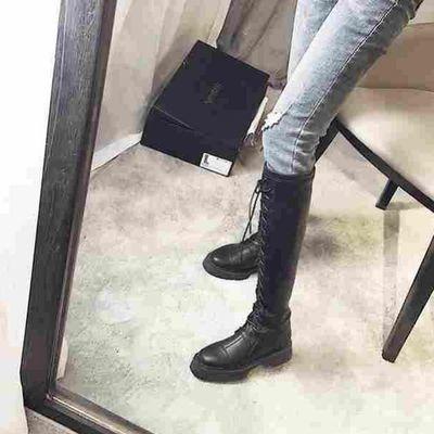 闭合方式 前系带;尺码 35,36,37,38,39,;图案 纯色;风格 欧美;筒高 高筒;流行元素 交叉绑带;后跟高 低跟(1-3cm);颜色分类 黑色【单里】,黑色【绒里】;靴款品名 骑士靴;上市年份季节 2019年冬季;鞋头款式 圆头;跟底款式 平底;鞋底材质 橡胶;鞋面内里材质 超细纤维;适用对象 青年(18-40周岁);鞋制作工艺 胶粘鞋;鞋垫材质 超纤皮;帮面材质 超细纤维;靴筒面材质 超细纤维;靴筒内里材质 超细纤维