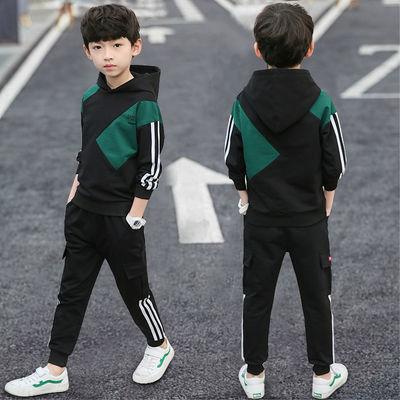 亲们, UP款式是两件套,KTR是两件套,WN款式是三件套。童装男童秋装套装2019新款儿童帅气卫衣运动春秋洋气韩版两件套潮