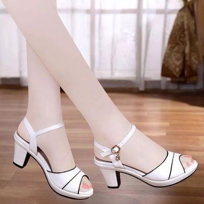 粗跟凉鞋2019夏季新款白色高跟女鞋时尚百搭一字扣带中跟鱼嘴鞋女