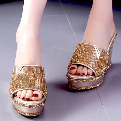 断码清仓11厘米时尚水钻拖鞋女夏外穿松糕厚底一字凉拖高跟坡跟