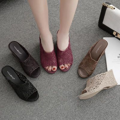 新款坡跟凉拖鞋女士夏季软底高跟厚底塑料女时尚果冻鱼嘴凉鞋潮