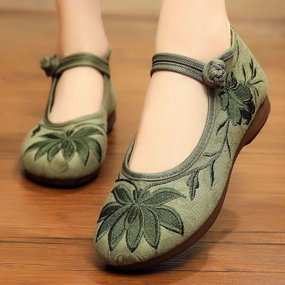 老北京布鞋女民族风妈妈软底中国风夏季平底大码女鞋奶奶绣花鞋子