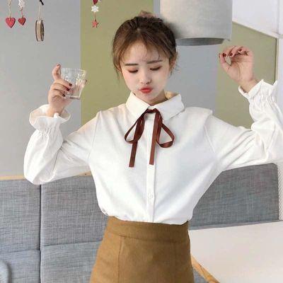 2020新款春装潮流衬衫女法式少女学生百搭复古港风花刺绣白色上衣
