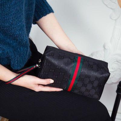 化妆包大容量便携带网红外出随身手拿包小化妆袋韩版学生女收纳包