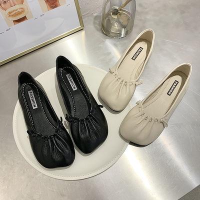 2020新款软底奶奶鞋复古褶皱方头平底单鞋女鞋百搭通勤工作鞋春季