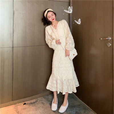 法式时尚洋气V领灯笼袖连衣裙女神气质甜美系带收腰显瘦连衣裙女