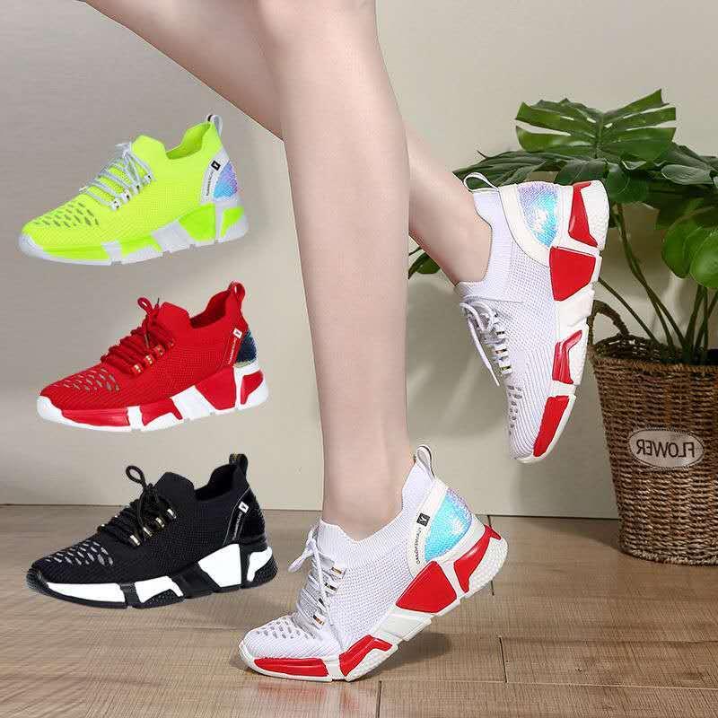 便宜的广场舞鞋女软底秋冬季跳舞鞋中跟四季透气加绒冬季鬼步舞专用鞋