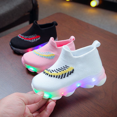 2020春夏新款儿童鞋带灯男女童鞋袜子鞋跑马灯发光运动鞋加棉保暖